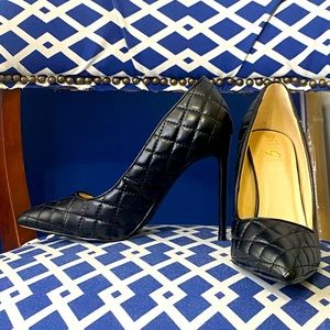 Black quilted classic pointy toe stiletto heels